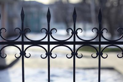 Automated gates Kent and London. Bespoke metal work. Metal railings. JustJAC